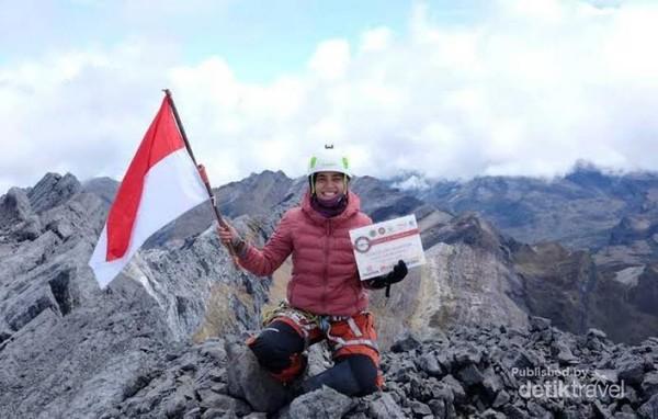 Puncak Pegunungan Jaya atau Cartensz