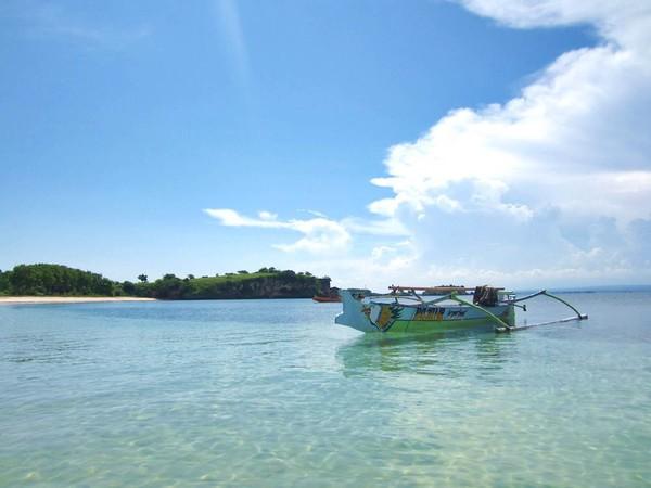 Panorama laut Pantai Tangsi