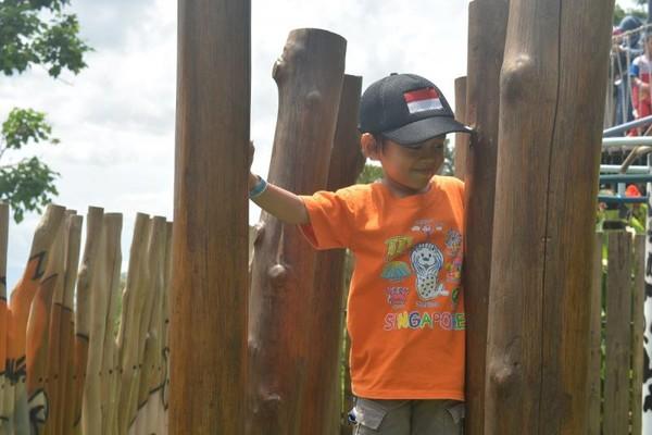 Area outdoor cukup menangtang bagi anak-anak usia TK