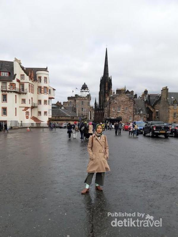 Halaman Edinburgh Castle