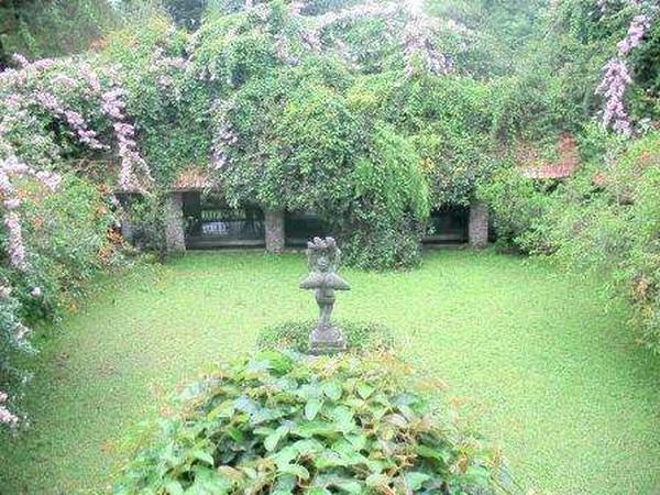 Taman menuju pintu keluar museum (Annisa Citgra Setiacahyani/ dTraveler)