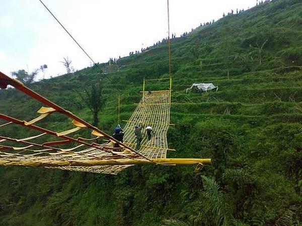 Jembatan tali (Umbul Sidomukti)