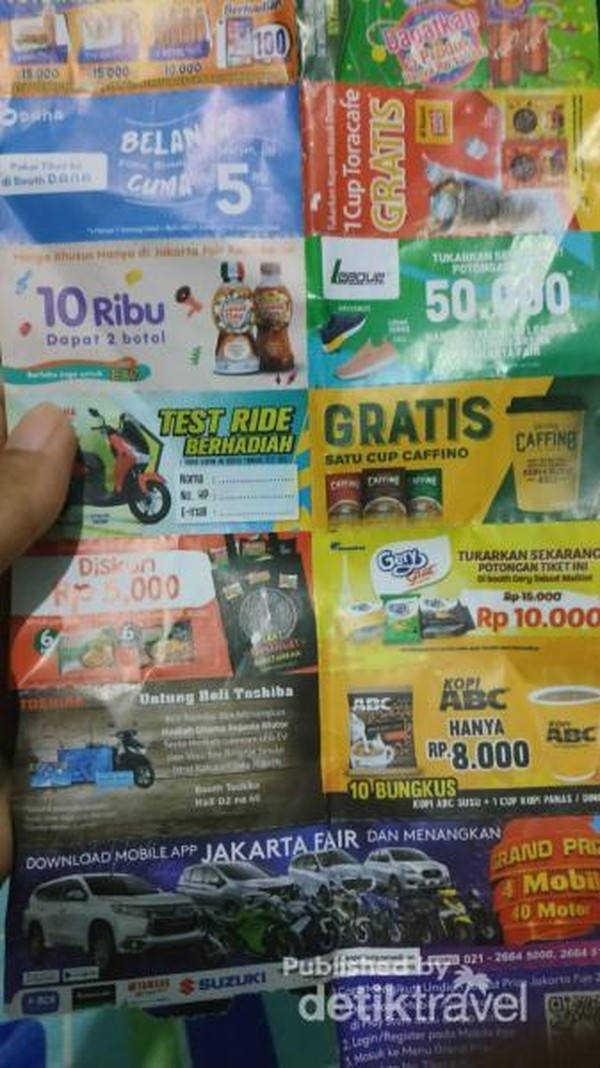 Potongan tiket yaang dibeli bisa ditukar dengan berbagai produk dan berkesempatan mendapat hadiah utama dengan diundi