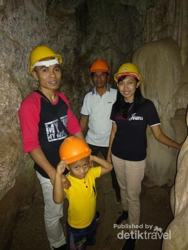 Siap memasuki lorong gua.
