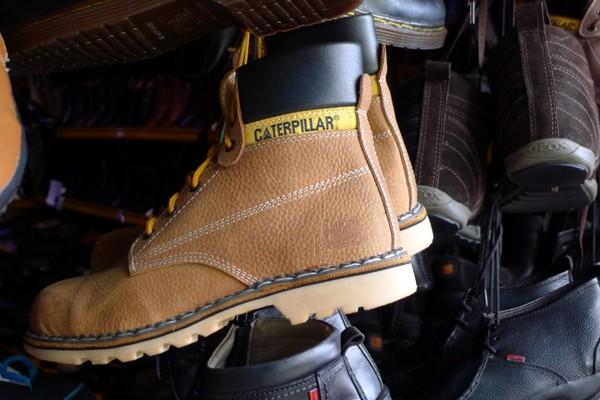 Sepatu gunung Caterpillar (Sastri/ detikTravel)