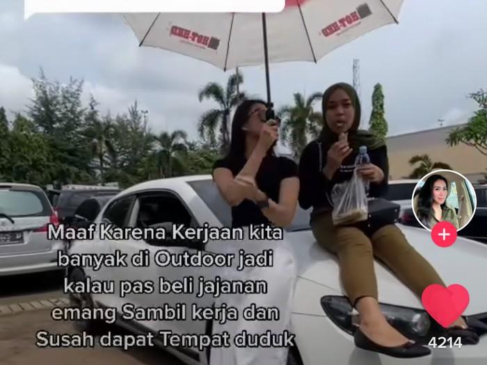 Dilarang Makan di Dalam Mobil, Asisten Ini Ngemil Ditemani Majikannya
