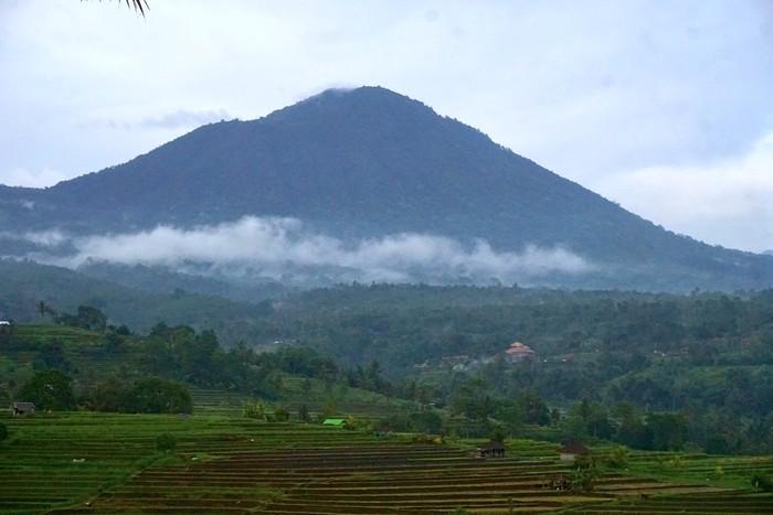 Gunung Batukaru Tabanan