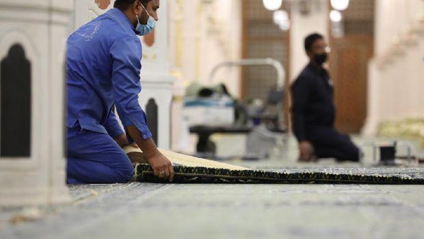 Karpet Raudhah diganti dengan yang baru