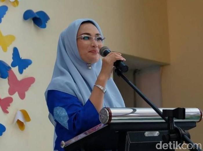 Ketua DPC Partai Demokrat Kota Surabaya Lucy Kurniasari