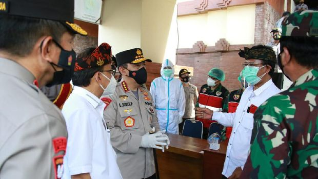 Kunjungan Panglima TNI Marsekal Hadi Tjahjanto dan Kapolri Jenderal Listyo Sigit Prabowo untuk mengecek penerapan protokol kesehatan di Bali/Dok Istimewa