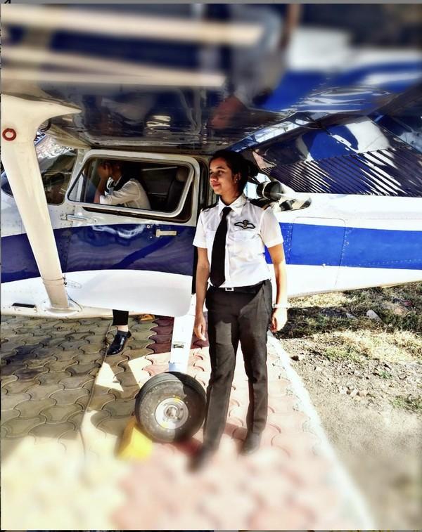 Memang, saat inibukanlah waktu yang tepat untuk bekerja sebagaipilot. Namun, Ayesha tahu itu dan mengatakan bahwa dia senang menerima tantangan tersebut.
