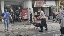 Polisi Bubarkan Kerumunan Massa Pesilat PSHT di PN Karanganyar