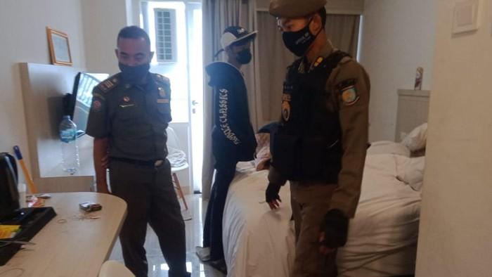 Satpol PP Tangsel razia hotel dan kosan (Dok. Istimewa)