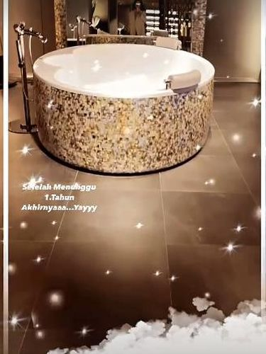 Bathtub Syahrini