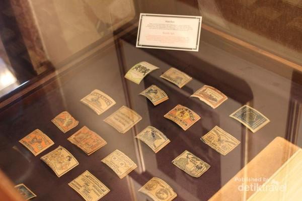 Korek api sejatinya tidak terpisahkan dari rokok. Berikut beberapa label korek api jaman dulu.