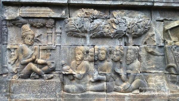 Relief di Candi Borobudur.