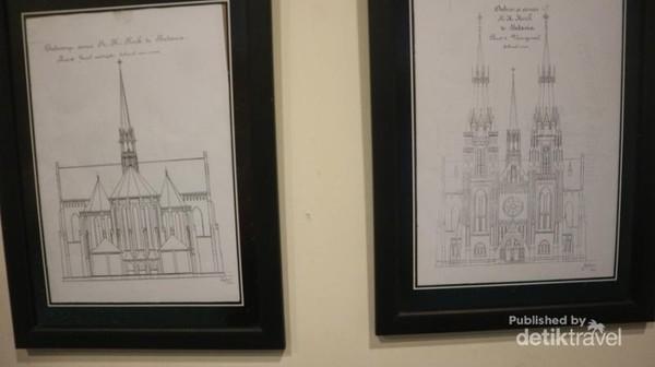 Terdapat gambar rancangan Katedral sebelum dibangun