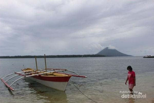 Pemandangan di sekitar Pulau Siladen.