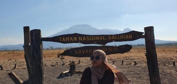 Jadi waktu itu, start perjalanan dari Yogya, saya naik dari stasiun Lempuyangan menuju ujung Pulau Jawa. Apalagi kalau bukan ke Taman Nasional Baluran.