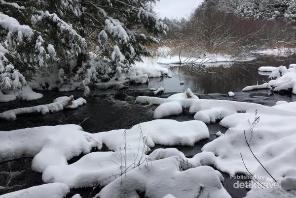 Ely creek adalah salah satu hiking spot di propinsi Quebec
