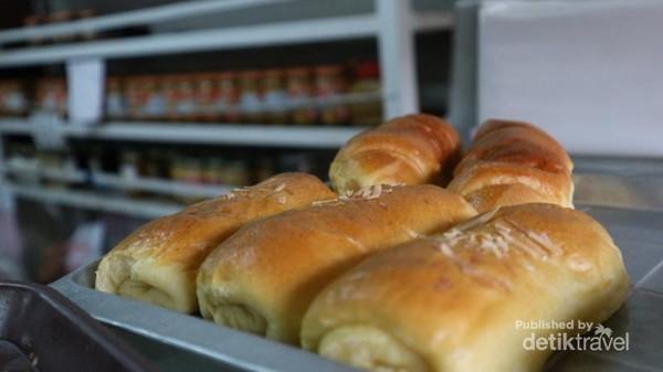 Roti cream horn yang menjadi favorit saya