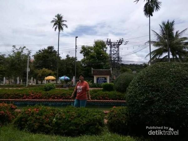 Taman kota yang hijau di Luang Prabang