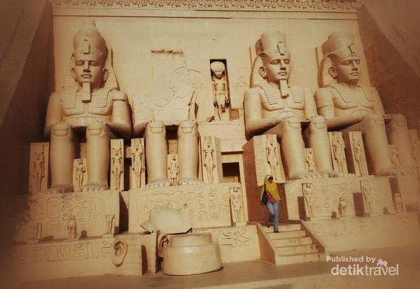 Kuil Ramses II dari Abu Simbel, Mesir