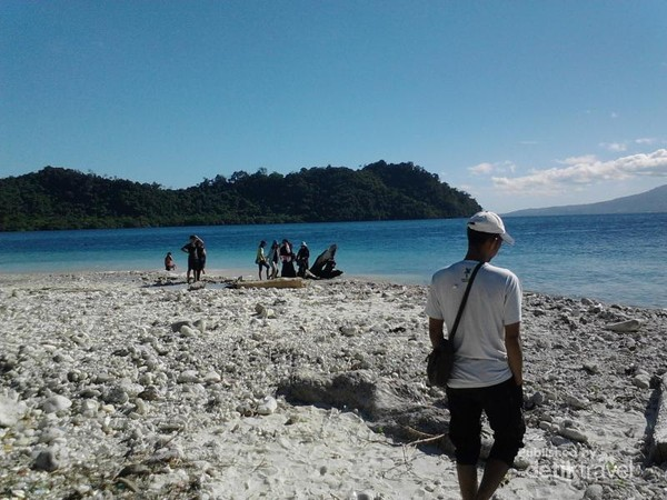 Indahnya pasir putih di gugusan pulau Selat Sunda