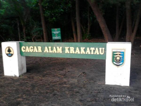Pos Pertama Pendakian ke Krakatau