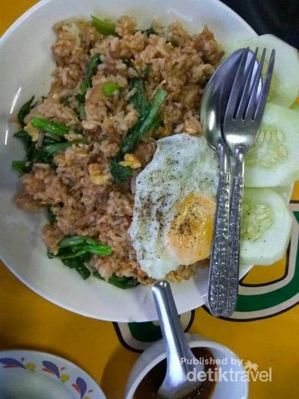 Begini penampakan nasi goreng istimewa khan Ban Nongkham
