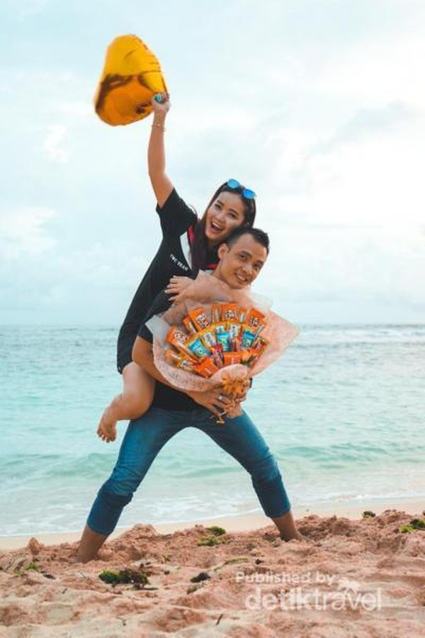 Momen romantis di Pantai Ngandong