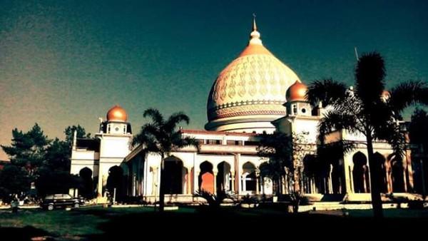 Mesjid utama di Takengon, Ruhama Mosque