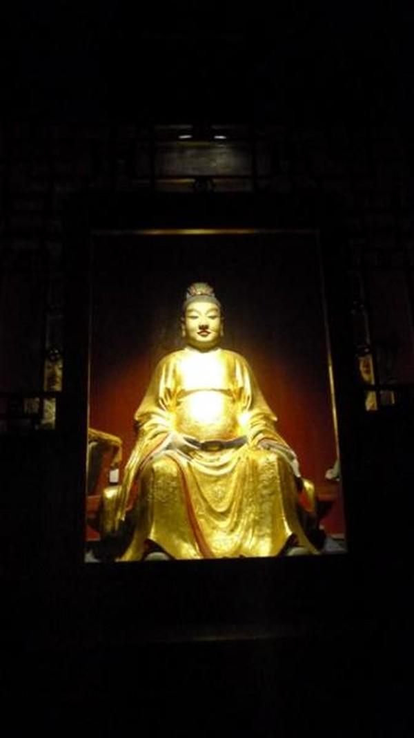 Meskipun sempat terbakar akibat perang, kuil dibangun kembali tahun 1671-1672 di masa dinasti Qing