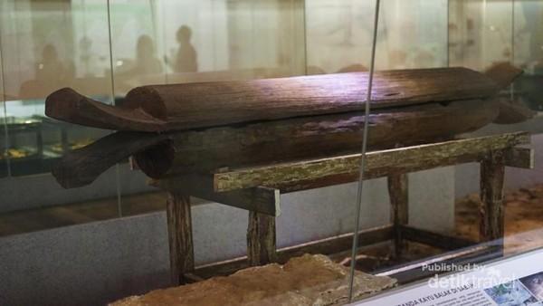 Pengkebumian veranda kayo balak di Sabah