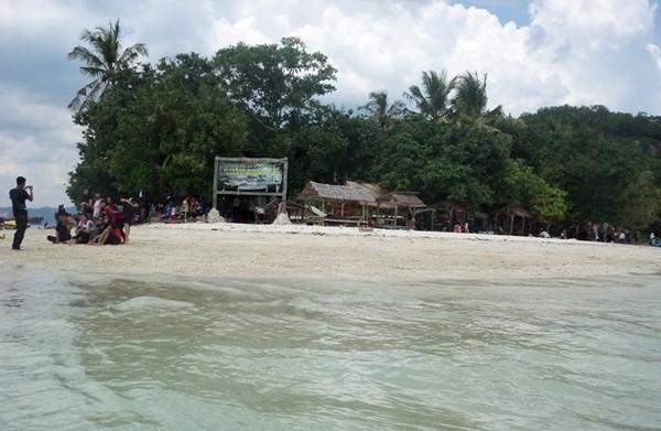 Selamat datang di Pulau Tangkil