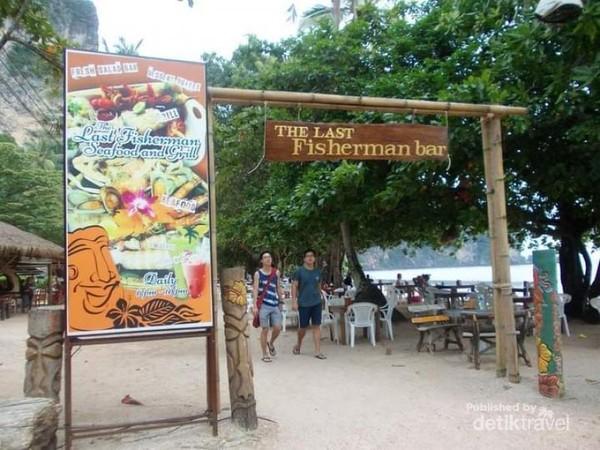 Masuk kawasan the last Fisherman Bar.