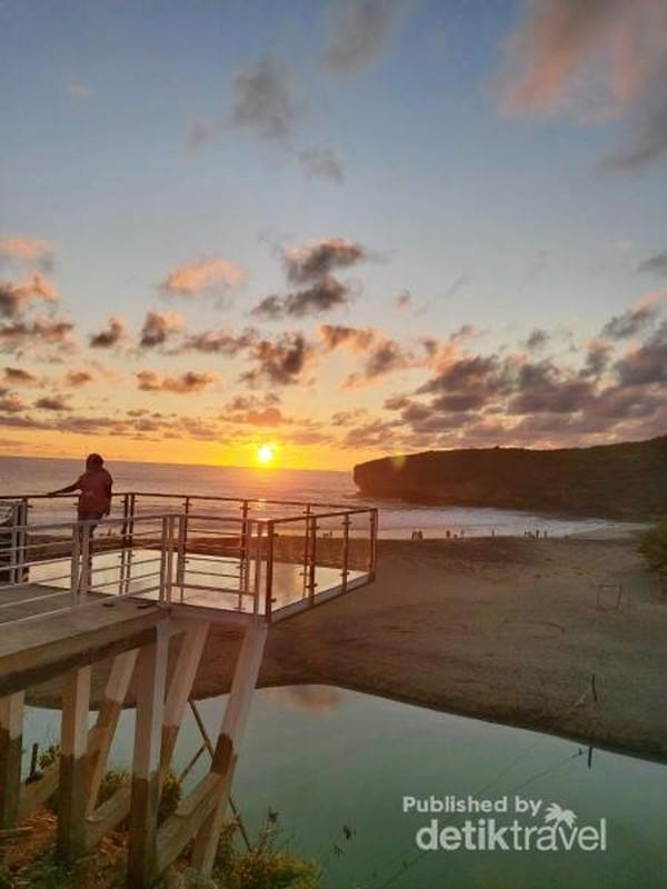 Sunset di Tiara Hills Pacitan