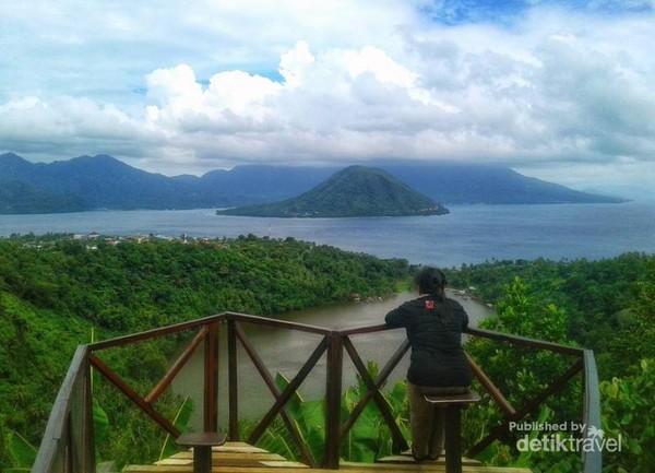 Termenung di Danau Ngade