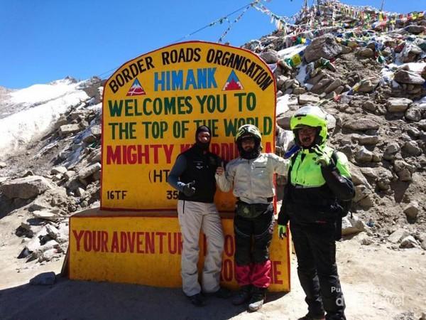Di ketinggian 5700, Himank Top of The World