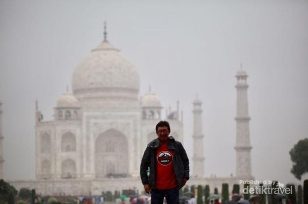 Hari terakhir kami kunjungi Taj Mahal