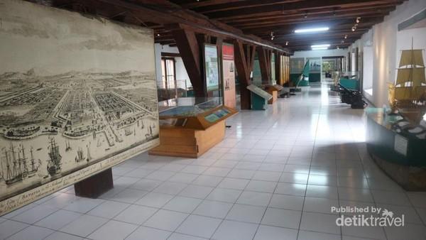 Ruang koleksi Museum Bahari