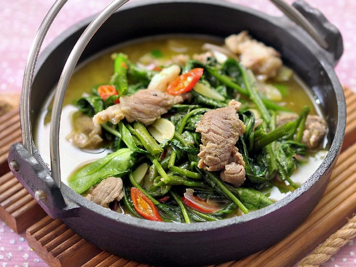Kangkung Hot Plate