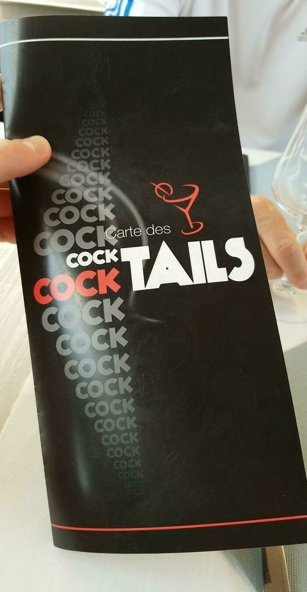 Menu cocktail-nya harus nih berdesain kayak gini?