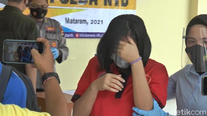 Pelaku penganiayaan bocah 10 tahun di Lombok Barat (Faruk Nickyrawi/detikcom)