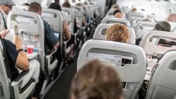 Penumpang Diusir dari Pesawat Gegara Ogah Pakai Masker dan Hina LGBT