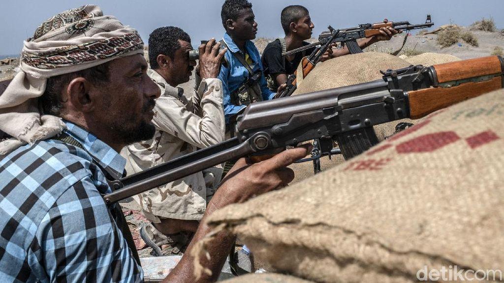 90 Orang Tewas dalam Pertempuran dengan Houthi di Yaman