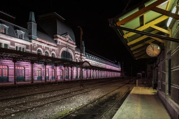Stasiun ini pun dijuluki Titanic of the Mountain karena digunakan tentara sekutu dan kaum Yahudi melarikan diri dari penyiksaan yang dilakukan Nazi. Saat Perang Dunia II berlangsung, Nazi berhasil menguasai stasiun ini. Usai Perang Dunia II, stasiun ini sempat difungsikan untuk tujuan komersial.