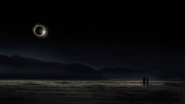 Para fotografer yang ikut Travel Photographer of the Year berasal dari 147 negara.Alekseev, seorang fotografer dan jurnalis, mengirimkan foto-foto menakjubkan yang diambil di Rusia, Greenland, Norwegia, dan Myanmar. Ini juga karyanya