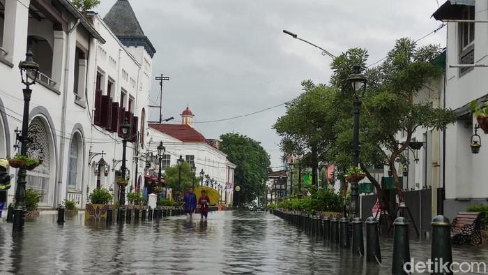 Banjir di Kota Lama Semarang, Sabtu (6/2/2021).