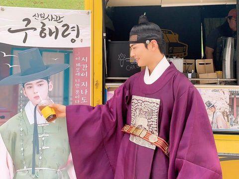 Cha Eun Woo Kebiasaan Aneh, Terobsesi Lubang Hidung